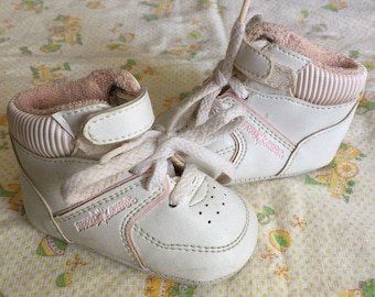 Vintage Dyna Kids Hi Tops Crib Shoes Sz 0 White Pink
