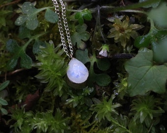 small silver moonstone necklace