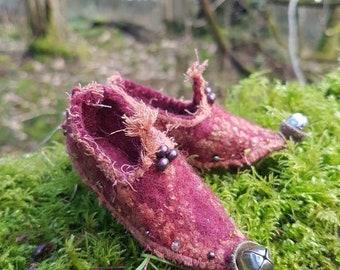 Magical tiny felt faery shoes~faery slippers~fae~ fairy~fantasy