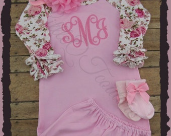 Baby girl coming home outfit, Personalized baby gown, monogram, name, initial, bring home outfit, hospital gown, take home outfit, set