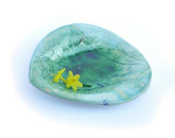 coupelle ceramique, cendrier vert, fait-main, poterie, repose bijou, coupe aperitif, design moderne,, vide-poche, cadeau homme,cadeau femme