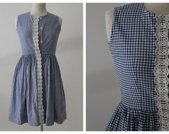 1940s Blue and White Gingham Dress with Eyelet - Petite