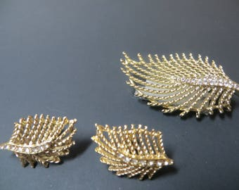 Stylized Feather Brooch and Matching Earrings with Rhinestones