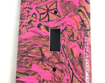 Bright and colorful single switch plate cover mod pink and black