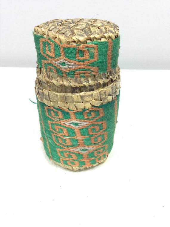 Continer Betel Nut Woven Grass Green Fabric Betel Nut Basket Indonesia Handmade Betel Nut Chewing Container Woven Grass Tobacco Snuff Unique