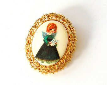 Tanger ll Christmas Pin. Hand Painted Angel Cameo Brooch. Vintage Christmas Angel Brooch. Vintage Holiday Brooch.