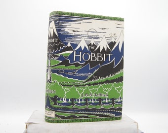 The Hobbit by J. R. R. Tolkien (Vintage, The Lord of the Rings)