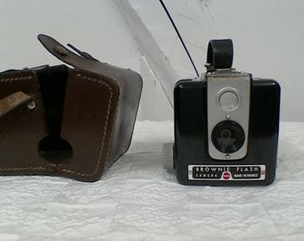 Flash vintage KODAK brownie camera.