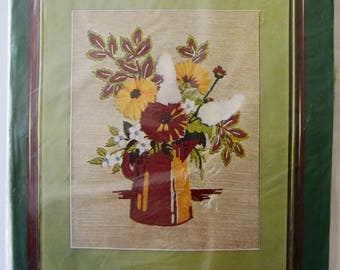 AUTUMN BOUQUET Crewel Kit Vogart 2110 Vintage 1970s