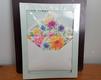Colorful Carnations Stationary and Envelopes, 32 Sheets and 16 Envelopes, Still in Plastic, Pro-Art Paper Co. U.S.A.