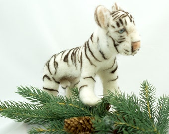 Needle Felted Sculpture Soft Sculpture Animal White Tiger Wool Sculpture