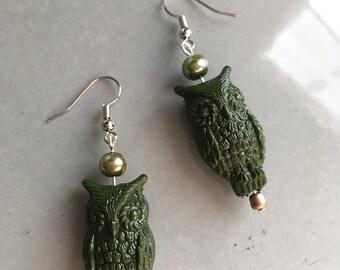 Grüne Eule Ohrringe Perlen Schmuck Boho Vogel hypoallergene Metall