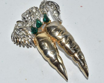 Vintage Rhinestone Gold Tone Carrot Pin Brooch Unsigned