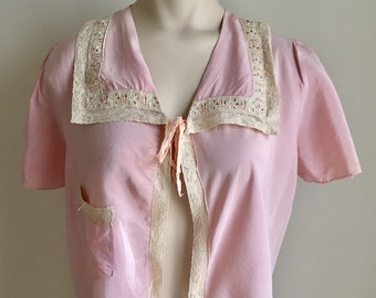 Vintage 1940s 50s Misses' Pink Silk Lace Bed Jacket Small Medium