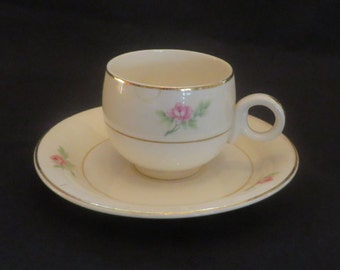 Vintage Small cup and saucer, 1940's*