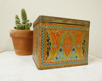 Antique 1920's Uneeda Biscuit Tin in Art Deco by National Biscuit Company