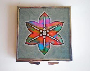 Pill box - Pill container - Mint case - Art pill box - Flower pill box - Resin pill box - Flower - Flower little box