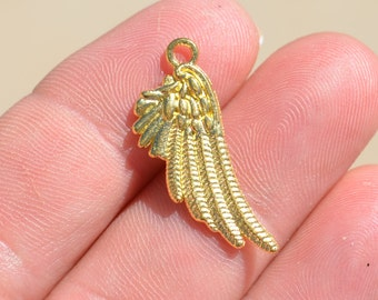 1  Gold Wing Charm GC2277