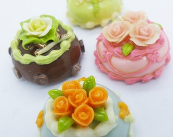 4 Magnets Miniature Foods Polymer Clay Supplies for Dollhouse, 2.5 cm Cakes assorted