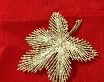 Sarah Coventry Leaf Pin