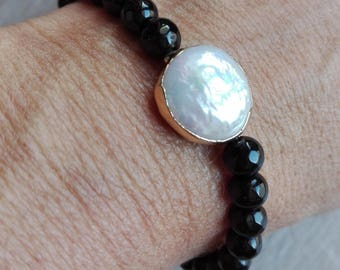 Bracelet with Onyx and Pearl