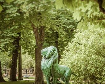 Paris Photography Luxembourg Garden Lion Photograph Statue Paris Park Photo Green Trees Spring France Print par68