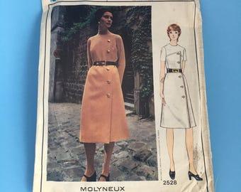 1970s Vintage Vogue Sewing Pattern Dress 2528