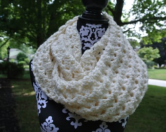 Chunky Crochet Infinity Scarf; Oversized Cowl; Women's Winter Scarf; PATTERN - PDF Instant Download