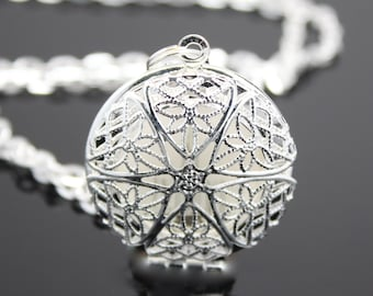 LDS Temple's Silver See through Star locket. FREE SHIPPING!!
