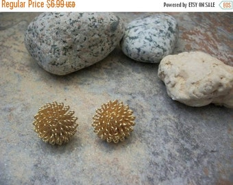 ON SALE Vintage Rich Gold Tone Chunky Metal Earrings 1403