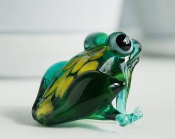 glass frog, art glass, frog figurine, collectible glass animals, art glass frog, blown glass animals, murano glass, glass miniature