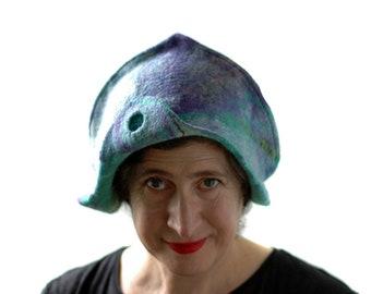 Meerjungfrauen-Hut in zartem Lila und grün mit irisierenden Stoff für Aquatic inspiriert Festival Goer - ungewöhnliche BurningMan Conquistador Helm