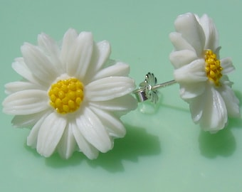 Vintage Daisy Post Earrings