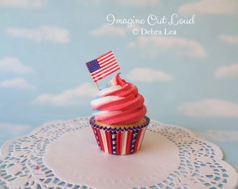 Fake Cupcake Red White and Blue  Swirl USA Flag Kitchen Photo Prop Decoration