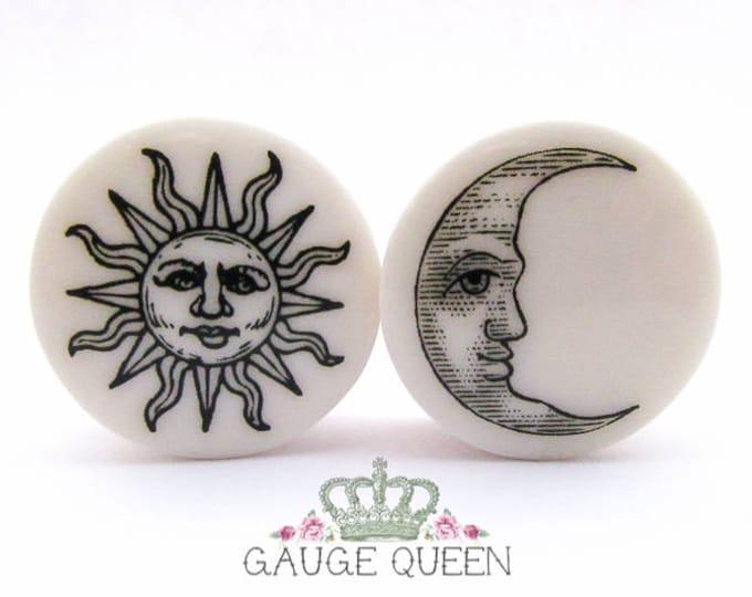 """Sun & Moon Plugs / Gauges. 2g / 6.5mm, 0g / 8mm, 00g / 10mm, 1/2"""" / 12.5mm, 9/16"""" / 14mm, 5/8"""" / 16mm, 3/4"""" / 19mm, 7/8"""" / 22mm, 1"""" / 25mm"""