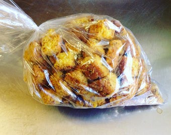 Gourmet, salt-free garlic croutons; big, bakery-style, made with our low sodium bread, unsalted butter, garlic and herbs