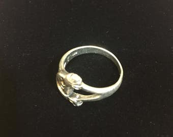 Sterling silver band, size 7.5, weight 4.1 grams