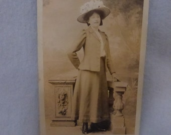 Vintage Unused  Post Card of Woman in a Straw Hat  PPC143
