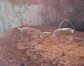 1930s Art Deco Eyeglasses, marked HCO 20 gold filled bridge & arms. Rimless eyewear, lens screws. Lovely etched nose design. Made in England
