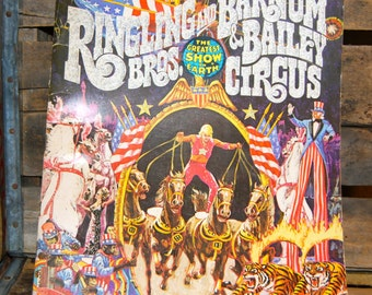 Rngling Bros and Barnum & Bailey Circus 1975 Program Souvenir Magazine