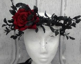 Black hair wreath, gothic, dark queen, evil queen crowns, blood red rose, dark fairy, black hair garland, black crown, costume, headdress