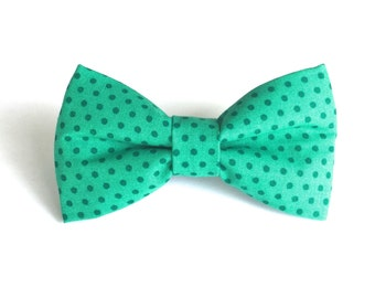 Kelly Green Polka Dot Dog Bow Tie
