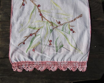 """VTG Embroidered Cotton Dresser Scarf Runner Crochet Lace 44"""" X 16""""  Tree Branch Berries"""