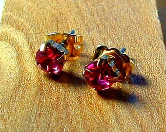 1970's 14k Yellow Gold Plated Cz Cubic Zirconia Dark PINK ICE Stud Earrings 6mm Vintage 4 Carat