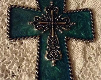 Shimmering Green Saddle Cross