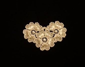 Lt Ivory Flower Medallion - Lot of 12