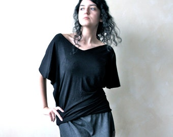 Black top, Dolman top, Jersey top, Tunic top, Black tshirt, V neck top, Plus size clothing, Women clothing, batwing top, Draped top, t shirt