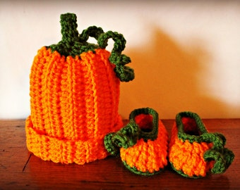 Little Pumpkin Hat and Bootie Set