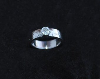 Her Hammered Ring, Simple Bezel Ring, Non Traditional Ring, Cute Solitaire Ring, OOAK Solitaire Ring, Wide Hammered Diamond Engagement Ring