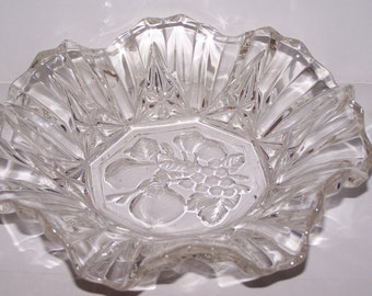 Federal glass bowl, candy dish, glass dish, crystal dish, etched dish, cut glass, ornate glass